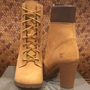 NWT Timberland Leather Women's Femmes Boots